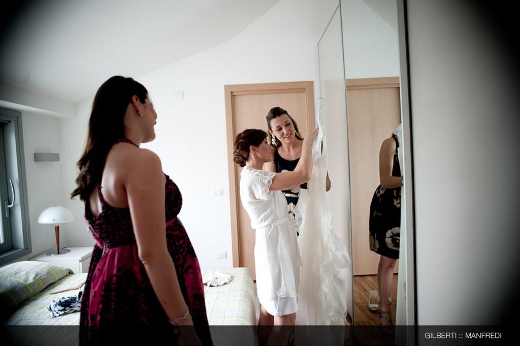 003-fotografo-matrimonio-reportage-brescia-preparazione-della-sposa