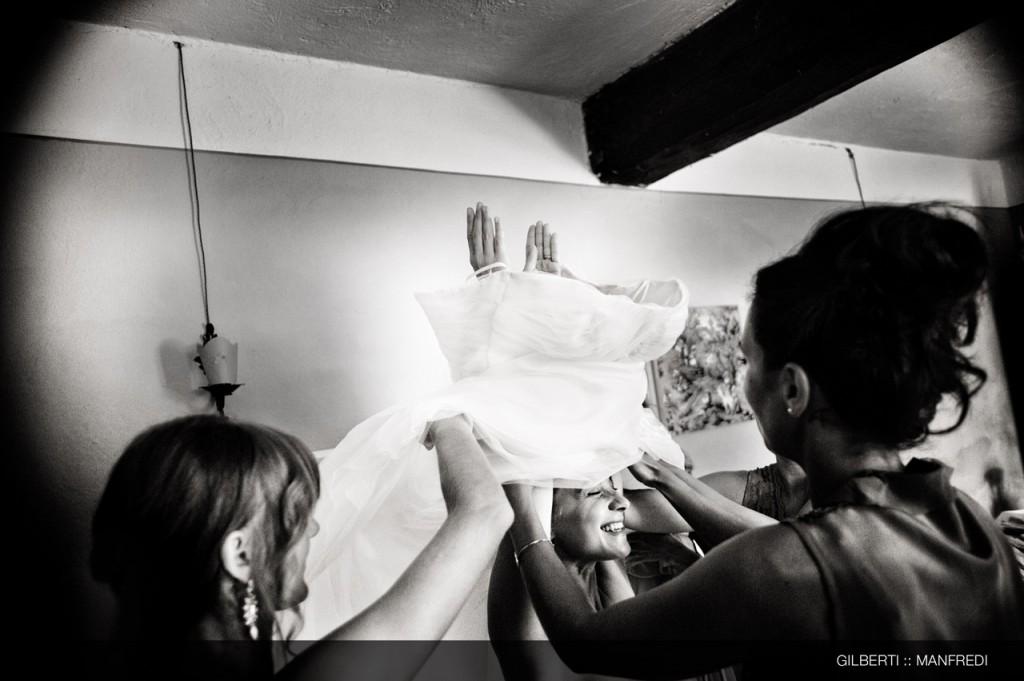 006-fotografo-matrimonio-brescia-preparazione-della-sposa