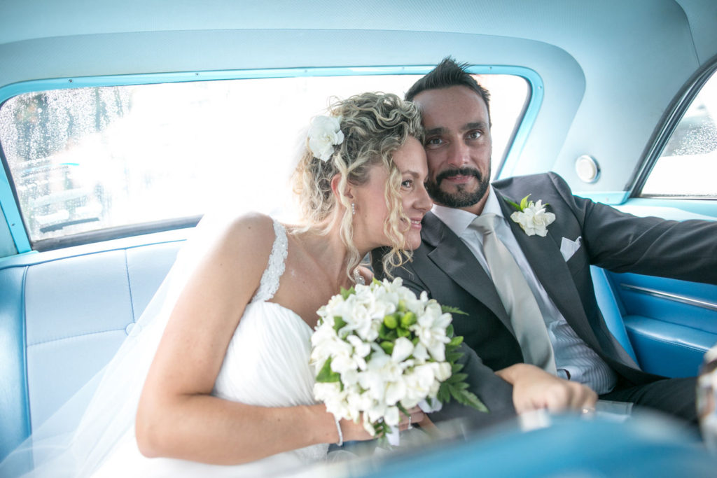 gli sposi nella Buick