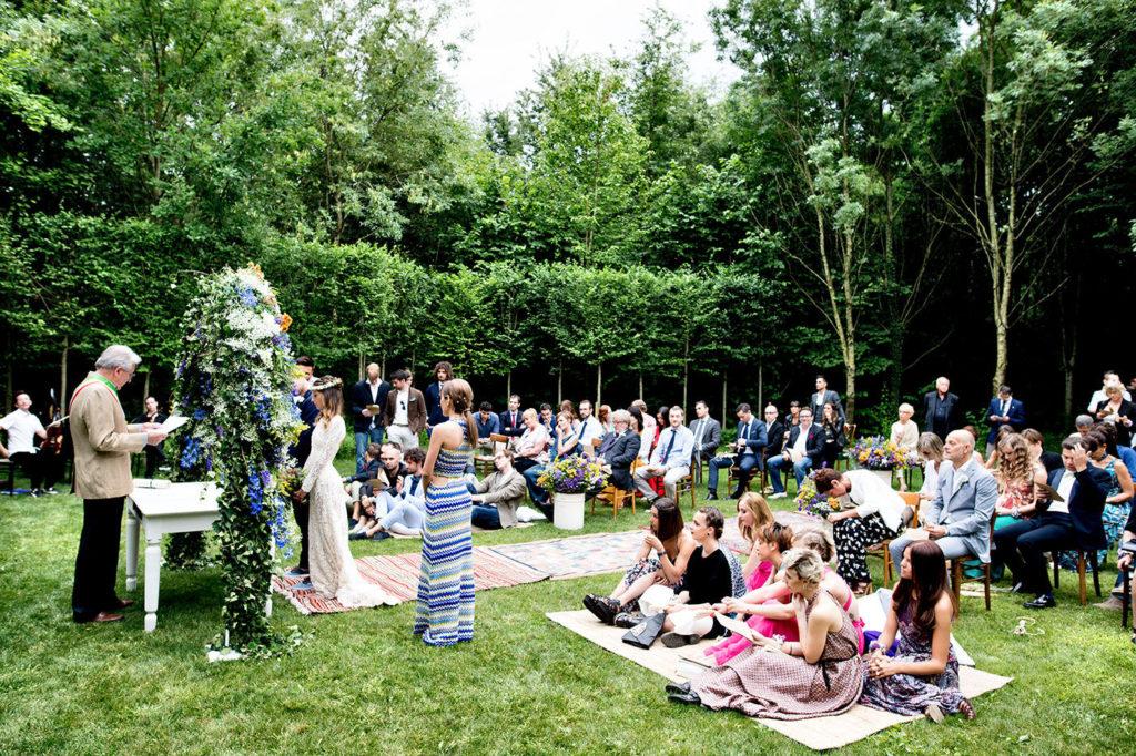 matrimonio all'aperto nel giardino segreto del convento dell'annunciata