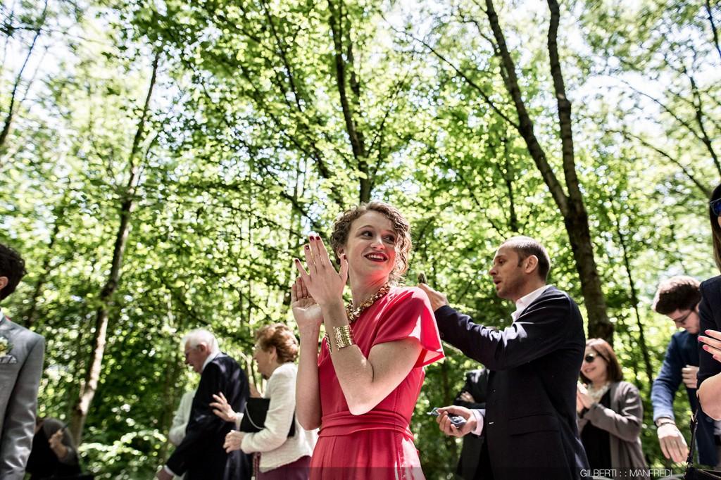 Applauso sorella sposo