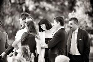 28 Fotografia matrimonio mantova amici degli sposi al ricevimento