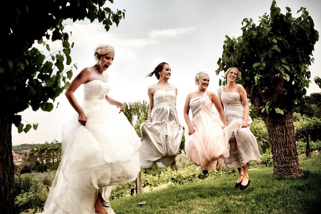 wedding reportage milano sposa e amiche